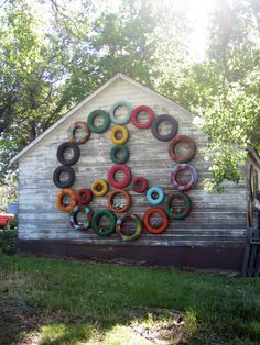 This art that makes me happy: Junkstock. and other vintage love This art that makes me happy: Junkstock. and other vintage love Hippie Peace, Happy Hippie, Hippie Art, Hippie Life, Hippie Crafts, Hippie Chic, Peace Love Happiness, Peace And Love, Tire Art