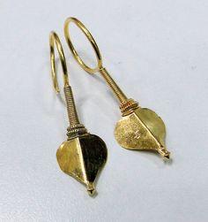 vintage antique sterling silver earring gold by TRIBALEXPORT Tribal Earrings, Tribal Jewelry, Silver Jewelry, Ancient Jewelry, Antique Jewelry, Vintage Jewelry, Sterling Silver Earrings, Gold Earrings, Jewelery