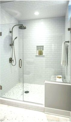 63 Luxury Walk in Shower Tile Ideas That Will Inspire You Part 18 - El Chapo Walk In Shower, Shower Doors, Small Bathroom, Glass Tile Bathroom, White Subway Tile Bathroom, Glass Subway Tile, Home Decor Websites, Corner Bath, Shower Remodel
