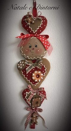 Gingerbread Christmas Decor, Gingerbread Crafts, Gingerbread Decorations, Santa Decorations, Outdoor Christmas Decorations, Christmas Art, Christmas Wreaths, Felt Crafts, Christmas Crafts
