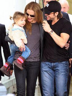 Sunday Rose Kidman Urban (Nicole Kidman & Keith Urban) Sunday is smiling!! :D