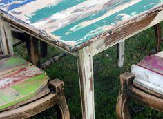 Etiqueta Fucsia sillas serias imagen2