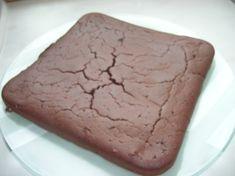 GATEAU FONDANT CHOCOLAT Servir avec une crème anglaise ou un coulis de fruits (à comptabiliser) bien surveillé la cuisson afin que le gâteau reste moelleux Pour 10 personnes 3.5***/pers * 2 oeufs moyen * 10cl de lait...