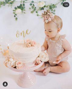 First Birthday Theme Girl, Happy Birthday Baby Girl, 1st Birthday Girl Decorations, One Year Birthday, 1st Birthday Cake Smash, 1st Birthday Parties, First Birthday Cookies, Birthday Ideas, 1st Birthday Photoshoot