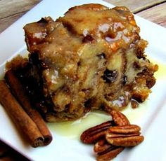 To Die For Bread Pudding Slow Cooker Recipe Ingredients 3 large eggs c of light brown sugar, packed 1 t of nutmeg, ground 1 c of heavy cream 1 c of milk 1 t of vanilla extract c of butter, melted c of raisins c of butterscotch chips c … Slow Cooker Desserts, Crock Pot Desserts, Slow Cooker Recipes, Dessert Recipes, Cooking Recipes, Crockpot Meals, Slow Cooking, Cooking Games, Cooking Classes