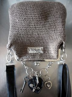 Diy Crochet Bag, Crochet Hooks, Knit Crochet, Frame Purse, Knitted Bags, Handmade Bags, Handicraft, Purses And Bags, Crochet Patterns