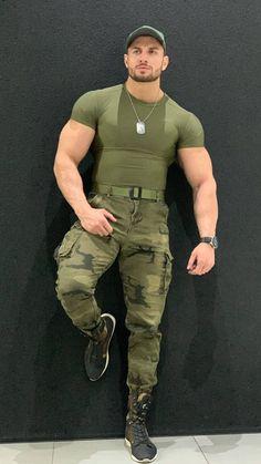 Sexy Military Men, Hot Army Men, Men In Tight Pants, Hunks Men, Arab Men, Men In Uniform, Versace Men, Muscular Men, Men's Grooming