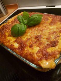 Danish Food, Pepperoni, Lasagna, Italian Recipes, Tapas, Macaroni And Cheese, Bacon, Good Food, Turkey