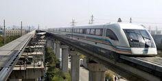 Au stade des innovations déjà expérimentées par la Chine dans le domaine du transport ferroviaire, le JR-Maglev, train à sustentation électromagnétique conçu au Japon dont le dernier modèle en phase de test pourrait évoluer à 500 km/h. Une ligne est en place à Shanghai depuis début 2003.