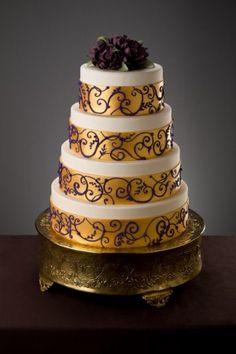 Wedding_Cake (05) - maybe one layer like this.  Simma's mmmm!
