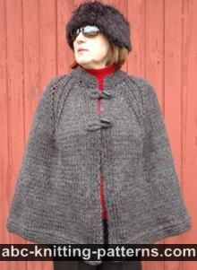 Knit ponchos are a versatile addition to any wardrobe. Check out our selection of free poncho knitting patterns to find your perfect design and cast on! Knitted Cape Pattern, Poncho Knitting Patterns, Shawl Patterns, Knitted Poncho, Knitted Shawls, Loom Knitting, Free Knitting, Crochet Patterns, Crochet Edgings