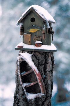 Lake cabin birdhouse