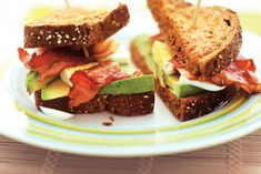 Kijk wat een lekker recept ik heb gevonden op Allerhande! Avocado-clubsandwich van tomatentoast Cooking Recipes, Healthy Recipes, Eat Smart, Avocado, Sandwiches, Healthy Eating, Healthy Food, Cravings, Brunch