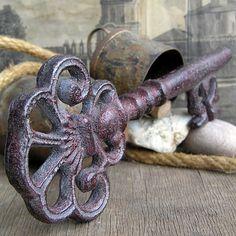 key to the city... vintage souvenir key...    POVT by CoolVintage, $22.50