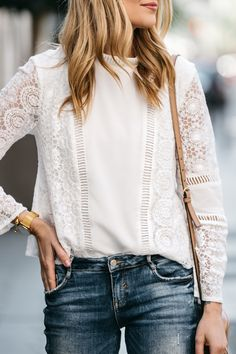 Fashion Jackson, Dallas Blogger, Fashion Blogger, Street Style, Mink Pink White Lace Top, Zara Denim Ripped Skinny Jeans, Gucci Soho Disco Handbag