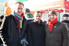 Die SPD-Bundestagsabgeordneten Burkhard Lischka und Sebastian Edathy und der SPD-Stadtverbandsvorsitzende Dr. Falko Grube auf der Meile der Demokratie 2013.