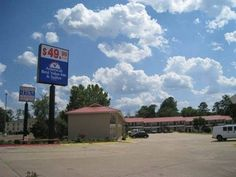 Americas Best Value Inn Huntsville Huntsville (Texas) Located off Interstate 45 in Huntsville, this hotel is only a 10-minute drive to Huntsville State Park.  The hotel offers a seasonal outdoor pool, continental breakfast and a gym.