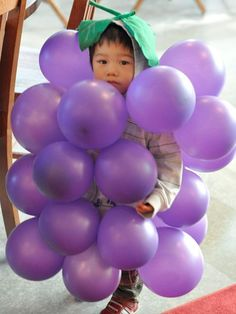 15 SUPER EASY and CHEAP Kids Halloween Costumes. Find some great costumes that you can make yourself for little or no money! Halloween Town, Last Minute Halloween Kostüm, Themed Halloween Costumes, Cute Costumes, Holidays Halloween, Adult Costumes, Happy Halloween, Food Costumes For Kids, Costume Ideas