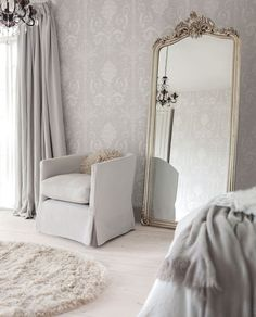 37 New Ideas Bedroom Mirror Decoration Chairs Decoration Gris, Decoration Inspiration, Decor Ideas, Decorating Ideas, Decorating Websites, Style Inspiration, Mirrored Furniture, White Bedroom, Master Bedroom
