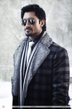 Indian Film Actor Vidyut Jamwal Biography, Movies, Songs, Marriage