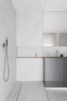 A bathroom in Oostende, Belgium via Krone Kern Bathroom Spa, Bathroom Interior, Small Bathroom, Bathroom Cabinets, Bathroom Ideas, Restroom Cabinets, Bad Inspiration, Bathroom Inspiration, Galerie D'art Moderne
