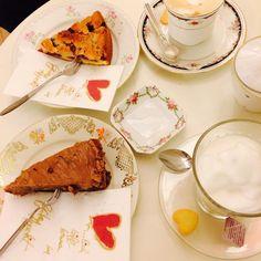 LiebDing unterwegs in #Wien! #Kuchen mit so viel #Herz, da konnten wir nicht wiederstehen! Mhmmm... #Café & #Kuchen Ethnic Recipes, Instagram Posts, Food, Heart, Kuchen, Tips, Meals