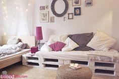 Sofás feitos com Paletes Pintadas de Branco
