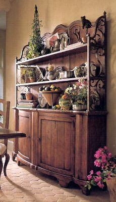 Beautiful Tuscan Sideboard with accessories