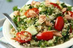 20 easy and healthy quinoa recipes Healthy Cooking, Healthy Eating, Healthy Recipes, Delicious Recipes, Recipes Using Smoked Salmon, Quinoa Tabouleh, Mediterranean Quinoa Salad, Salmon Salad, How To Cook Quinoa