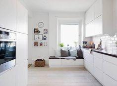 Modern home decor bedroom – Southern Home Decor Kitchen Layout, Kitchen Design, Narrow Kitchen, Scandinavian Kitchen, Living Room Kitchen, Beautiful Kitchens, Home Decor Bedroom, Kitchen Interior, Home Kitchens