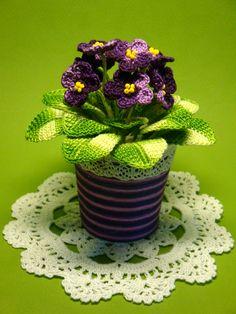 Crochet violet by Svetlana Zalevskaya  http://biju.kiev.ua/art-preview.aspx?art=87b6ae55-01b4-4d39-b9a9-b39788c4d08a