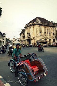 Becak at Kota Lama Semarang