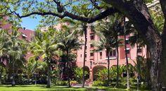 泊ってみたいホテル・HOTEL|ハワイ>ホノルル>ビーチフロント、ワイキキに位置する高級リゾート>ザ ロイヤル ハワイアン(The Royal Hawaiian, A Luxury Collection Resort)