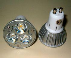 6 x GU10 LED-Strahler / 220 Volt / Lichtfarbe Warmweiss / dimmbar ! Jetzt auf LED-Licht umstellen und Energie sparen !