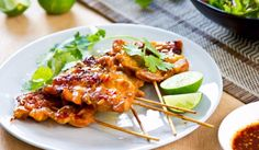 Grilled chicken with chili sauce by vanillaechoes. Grilled chicken with Thai 's chili sauce and salad Cajun Recipes, Chicken Recipes, Cooking Recipes, Asiago Chicken, Grilled Chicken, Sambal Chicken, Chicken Noodle Casserole, Healthy Grilling, Incredible Recipes