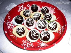 Originálny recept na Mozartove gule (fotorecept) Graham Crackers, Mini Cakes, Christmas Cookies, Pie, Sugar, Chocolate, Desserts, Food, Xmas Cookies