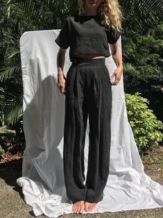Linen Pants Outfit, Black Linen Pants, Trouser Outfits, Wide Leg Linen Pants, Linen Trousers, Wide Pants, Trousers Women, Best Street Style, Street Style Outfits