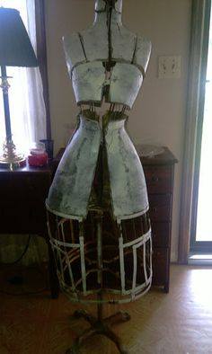 I literally just fell over in sheer Glutony I want this SO bad! $250.00 ANTIQUE MANNEQUIN SEWING DRESS FORM GRAND RAPIDS FORM