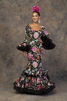 Diva Fashion, Ethnic Fashion, Fashion Shoot, Flamenco Party, Flamenco Dancers, Traditional Mexican Dress, Spanish Woman, Gypsy Women, Strapless Prom Dresses