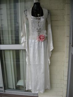 20 OFF..Vintage Stunning Sheer White Oyster Lace by GlamourZoya, $120.00