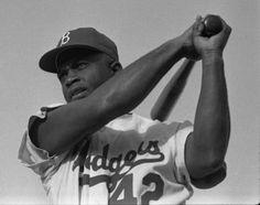 15 avril 1947 : Jackie Robinson débute la saison dans la Ligue majeure de baseball http://jemesouviens.biz/?p=5926
