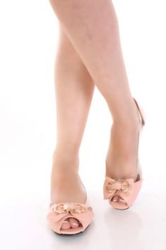 So sweet and girly!! <3 Peach Faux Patent Leather Metal Bow Peeptoe Clear Side Flats