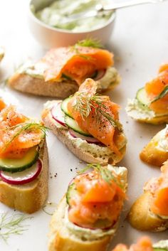 Elegant smoked salmon crostini made with toasted baguette slices that are topped with flavorful herb cheese, cucumbers, radishes, smoked salmon, and herbs. Smoked Salmon Appetizer, Crostini, Gluten Free Puff Pastry, Elegant Appetizers, Kraut, Salmon Recipes, Clean Eating Snacks, Appetizer Recipes, Salads