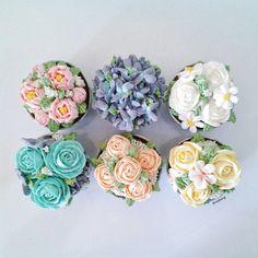 flower buttercream cupcakes