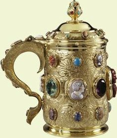 King George IV's Cameo And Bejeweled Tankard Made Of Silver-Gilt, Agate Onyx, Sardonyx, Jasper, Amethyst, Siberian Amethyst, Chrysoprase, Emeralds, Ruby, Russian Aquamarine, Russian Green Beryl, Sapphires From Sri Lanka, Pink Sapphire And Turquoise