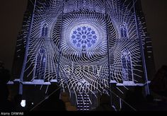projection-mapping-by-czech-art-group-the-macula-on-st-ludmilas-church-DRMYA8.jpg (640×446)