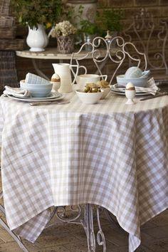 Country Checks table linen