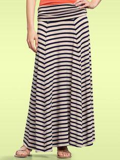 Love the maxi skirt.
