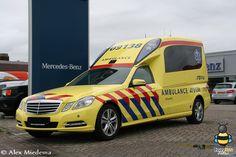 Toon onderwerp - Mercedes-Benz E-Klasse Benz E, Mercedes Benz, Driving School, Emergency Vehicles, Camper Ideas, Police Cars, Ford Trucks, Concept Cars, Mario