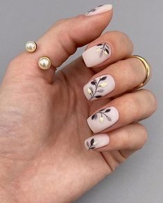 70 Beautiful Natural Short Square Nails Design For Winter Nails & Spring Nails 2020 - Page 3 of 14 - The Secret of Modern Beauty Winter Nails, Spring Nails, Cute Nails, Pretty Nails, Sqaure Nails, Arrow Nails, Gel Nails, Acrylic Nails, Square Nail Designs
